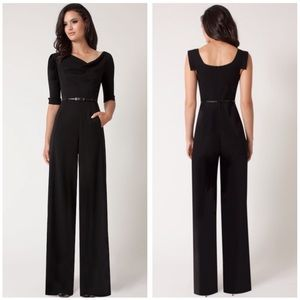 Black Halo • NWT Black Jackie O Jumpsuit